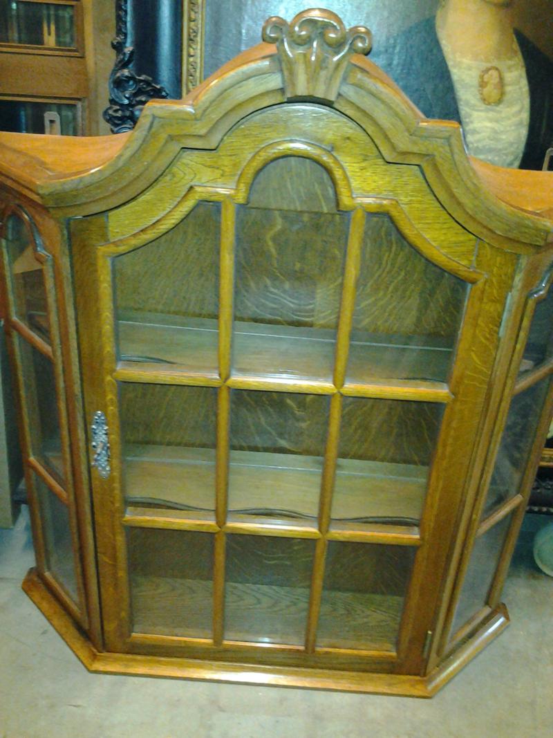 houten-kastje-antiek